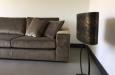 Luxe lamp en design bankstel in fluwelen stof op maat