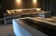 Moderne U-bank op maat in luxe stof