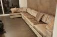 Velours hoekbank op maat in luxe stijl met ottoman stuk