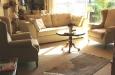 banken en fauteuils in een landelijke stijl