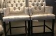 Barstoelen met capitons in croco velours stof