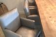 Design stoelen met knopen in luxe stof
