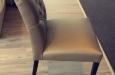 Eetkamerstoel Bram met capitons zonder armleuning in skai stof (2)