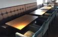 Luxe stoelen en eetbank carre gestikt op maat