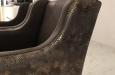 Moderne stoelen in exclusieve slangen stof